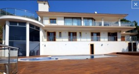 Villa in Palma available on Nanomundo today