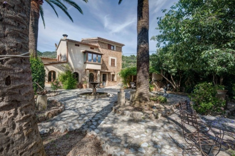Featured Villa in Soller available on Nano Mundo today
