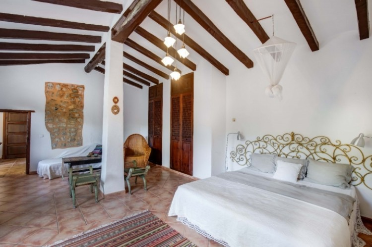 Villa in Soller available on Nanomundo today; image 13