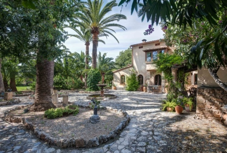 Villa in Soller available on Nanomundo today; image 22