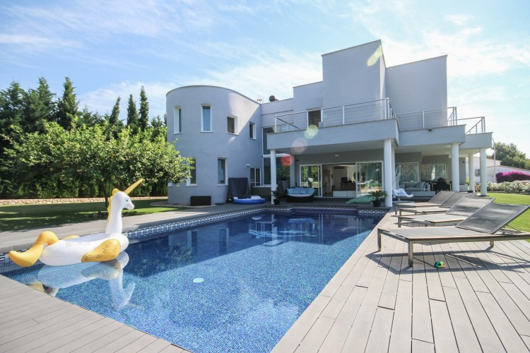 Villa in Sol Mallorca available on Nano Mundo today; image 1