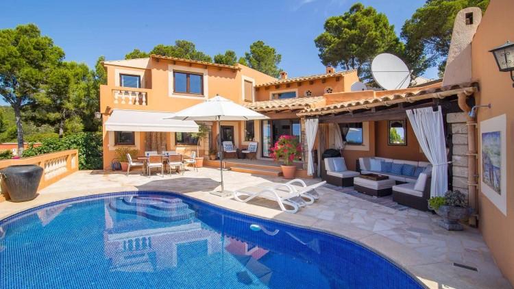 Villa in Port de Andratx available on Nano Mundo today; image 6