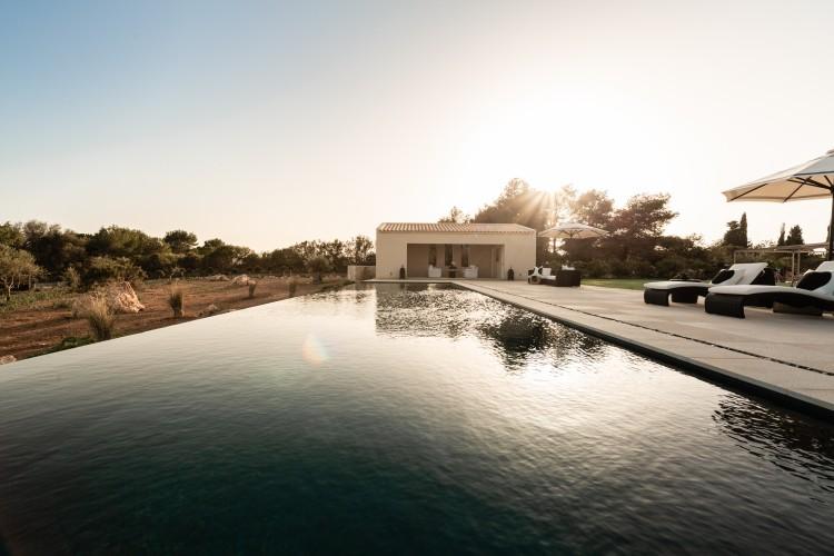 Landhaus, Finca in Portocolom available on Nano Mundo today; image 32
