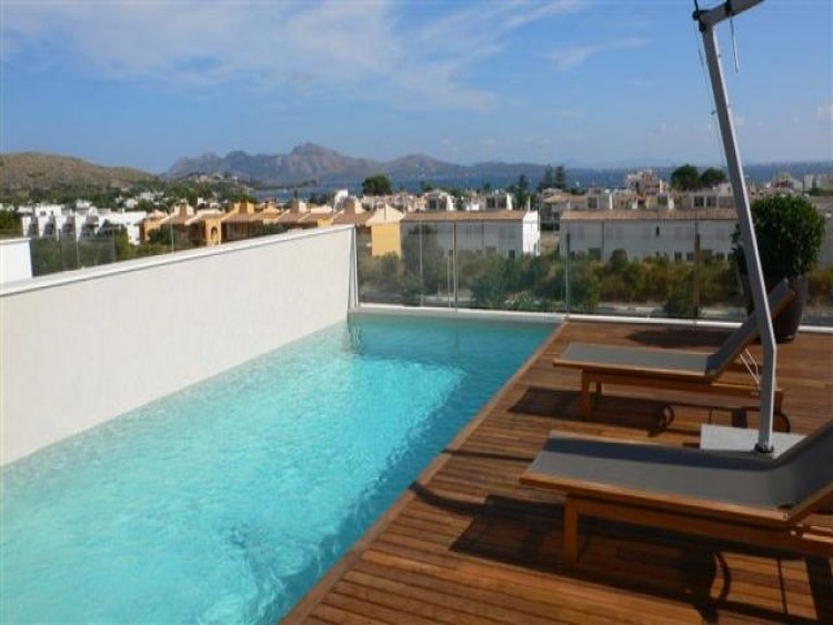 Villa in Puerto de Pollenca available on Nanomundo today; image 1