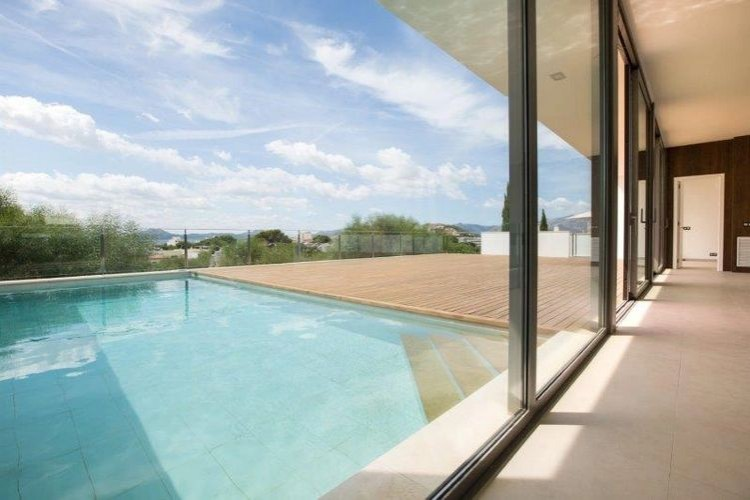 Villa in Puerto de Pollenca available on Nanomundo today; image 4