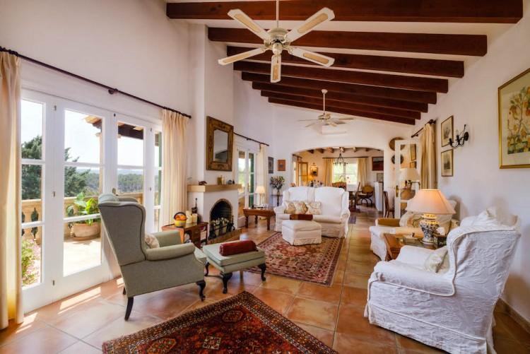 Villa in Calvia available on Nano Mundo today; image 12
