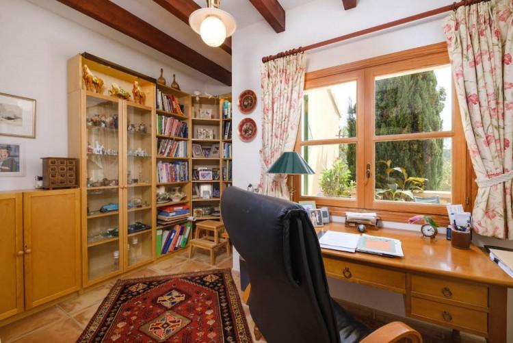 Villa in Calvia available on Nano Mundo today; image 13
