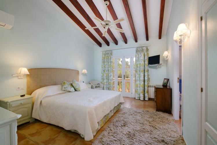 Villa in Calvia available on Nano Mundo today; image 16