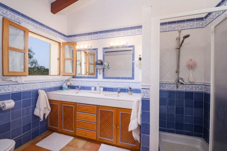 Villa in Calvia available on Nano Mundo today; image 17
