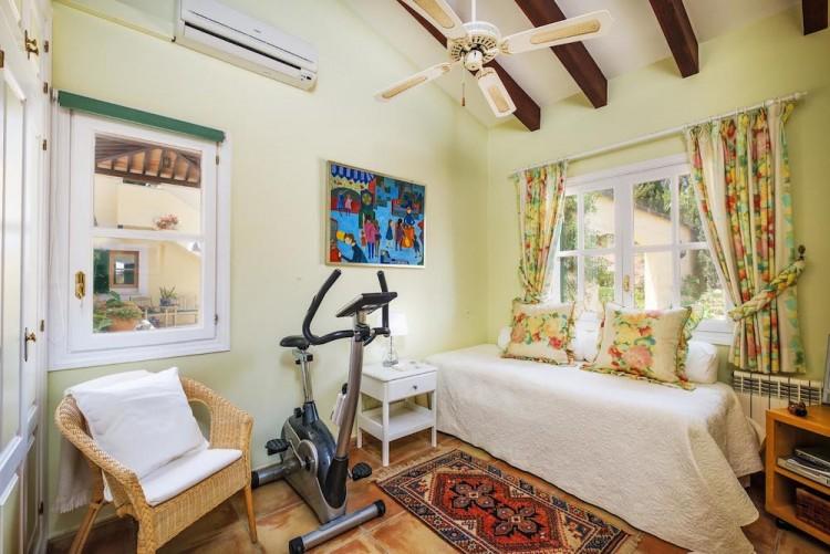 Villa in Calvia available on Nano Mundo today; image 19