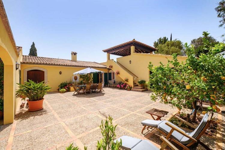 Villa in Calvia available on Nano Mundo today; image 4