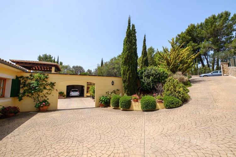 Villa in Calvia available on Nano Mundo today; image 5