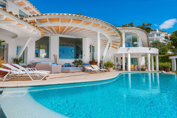 Villa in Port de Andratx available on Nano Mundo today; image 2